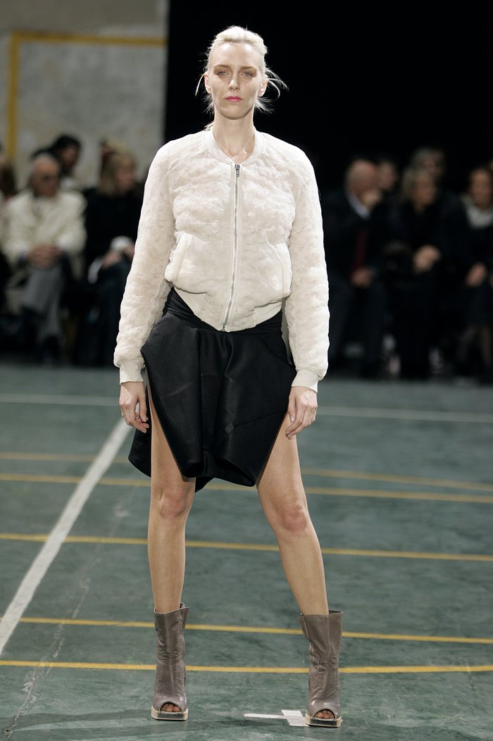 Collections cover rick owens aw05 moog runway 010