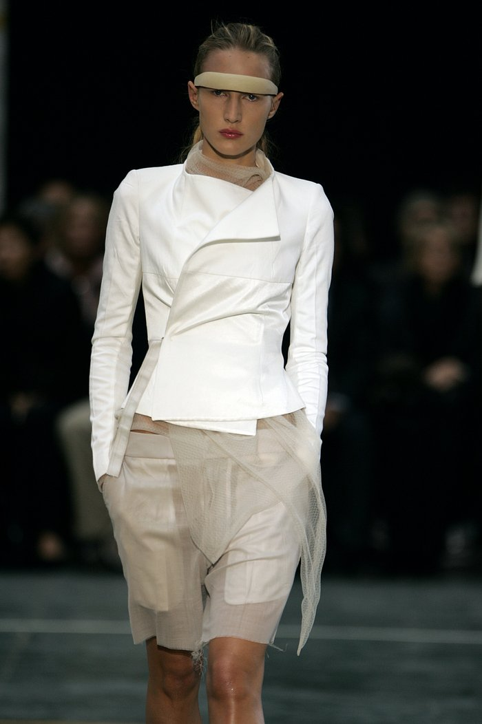 Collections cover rick owens aw05 moog runway 034