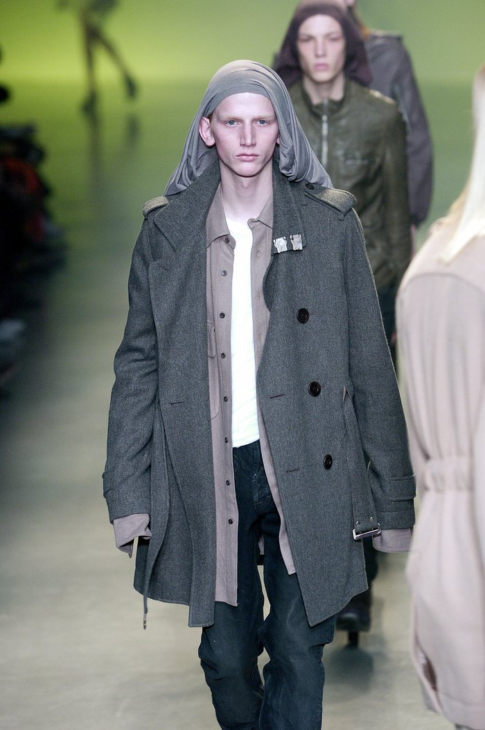Collections cover rick owens aw04 queen runway 023