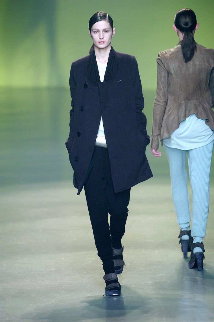 Collections cover rick owens aw04 queen runway 037