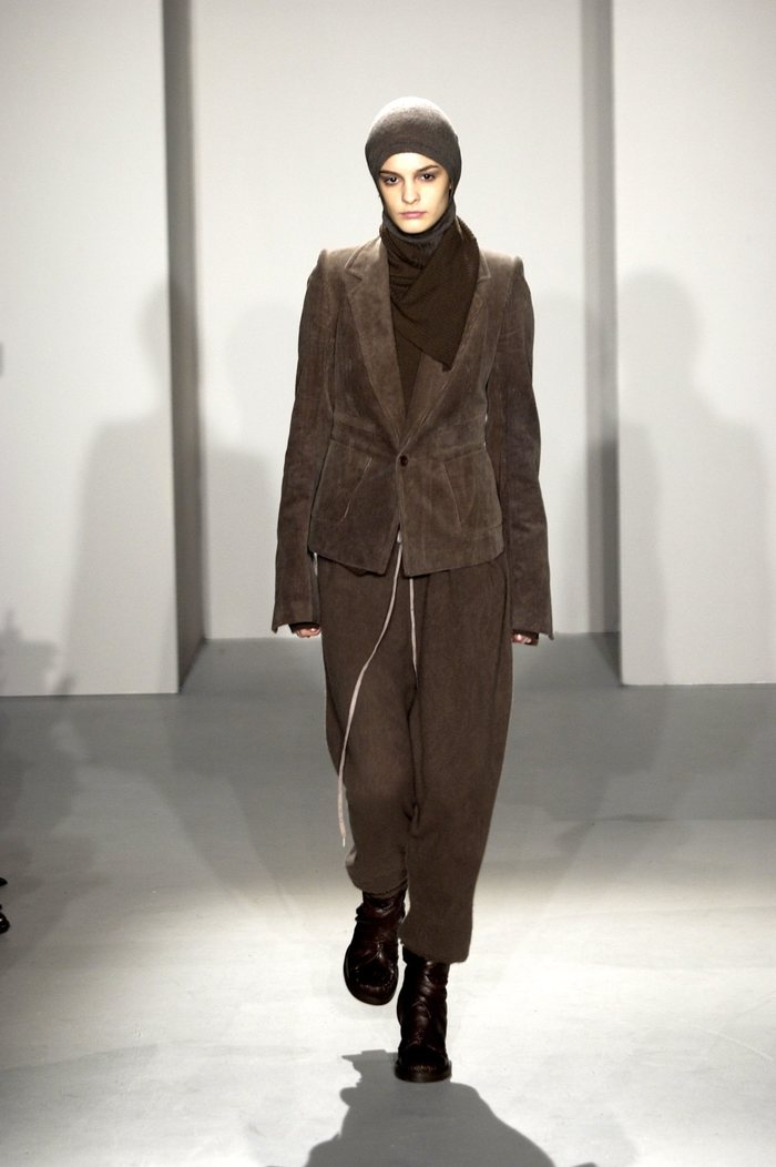 Collections cover rick owens fw02 sparrows runway 03