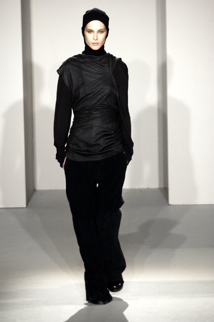 Collections cover rick owens fw02 sparrows runway 011