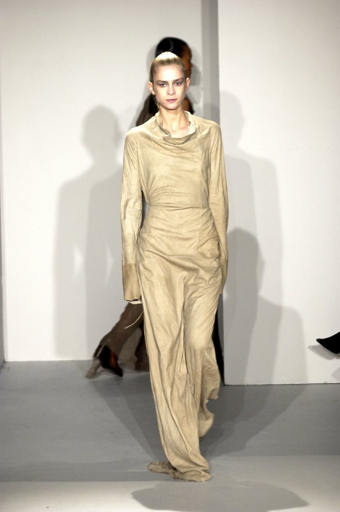 Collections cover rick owens fw02 sparrows runway 032
