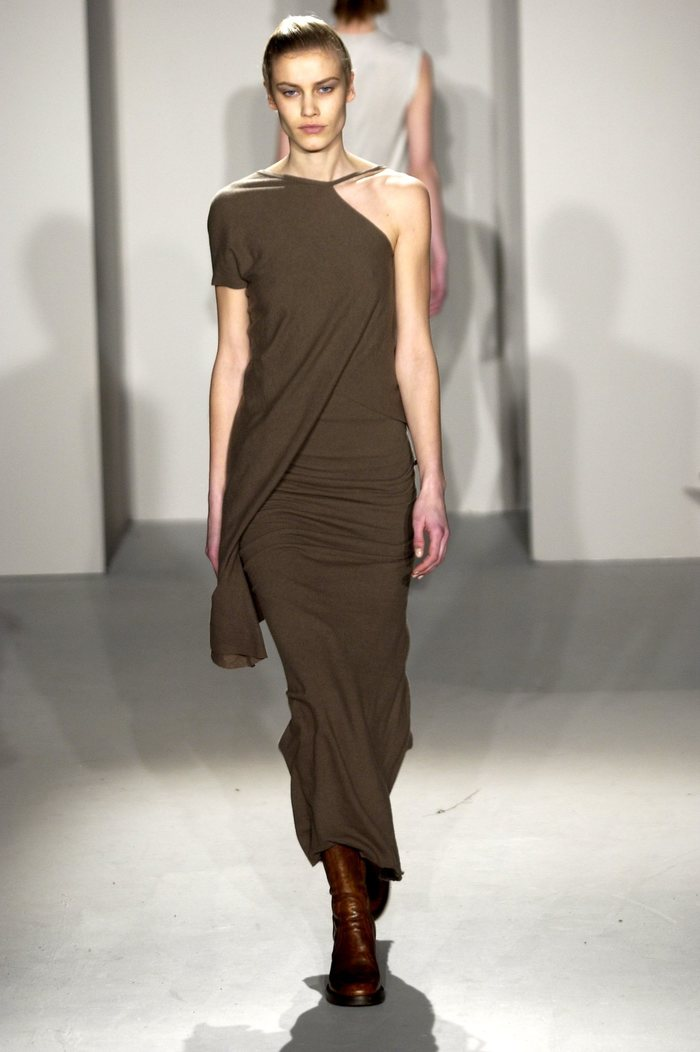 Collections cover rick owens fw02 sparrows runway 028