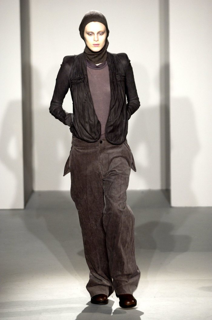 Collections cover rick owens fw02 sparrows runway 013