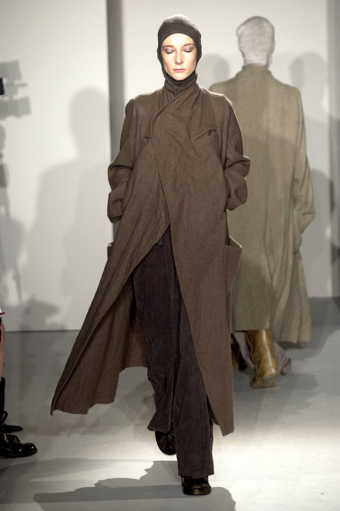 Collections cover rick owens fw02 sparrows runway 018