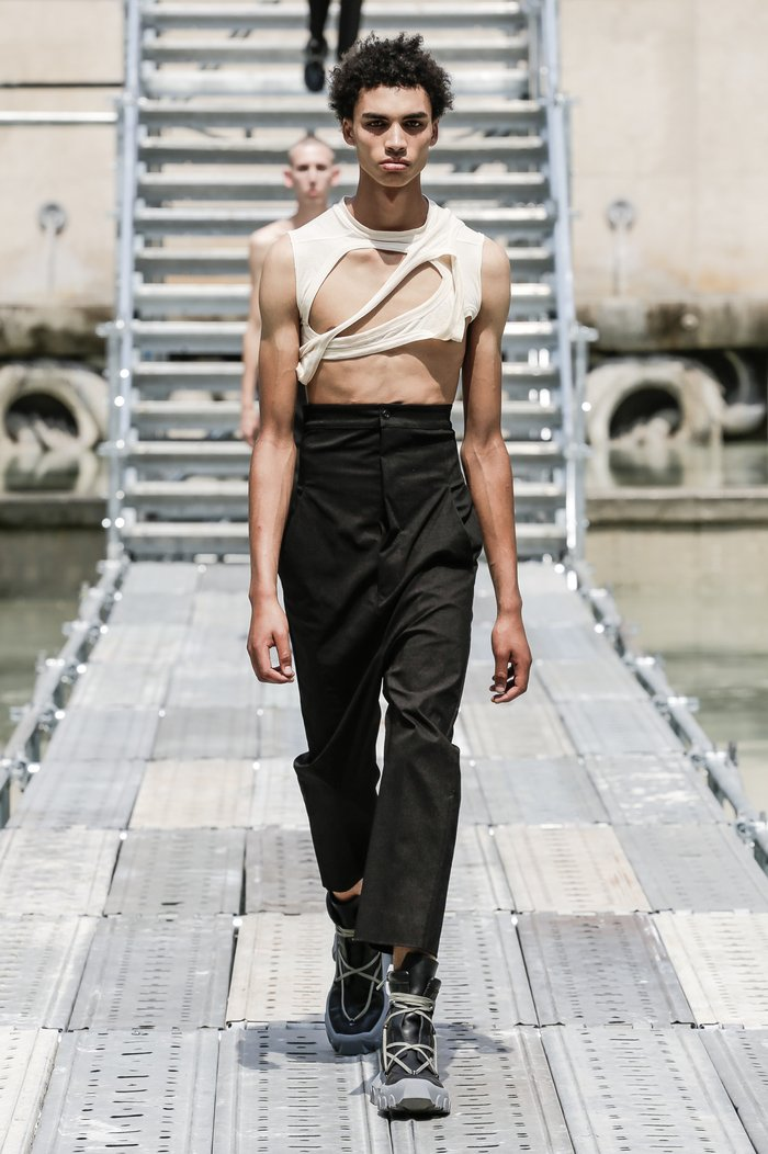 Collections cover rick owens men ss18 look 08 0197