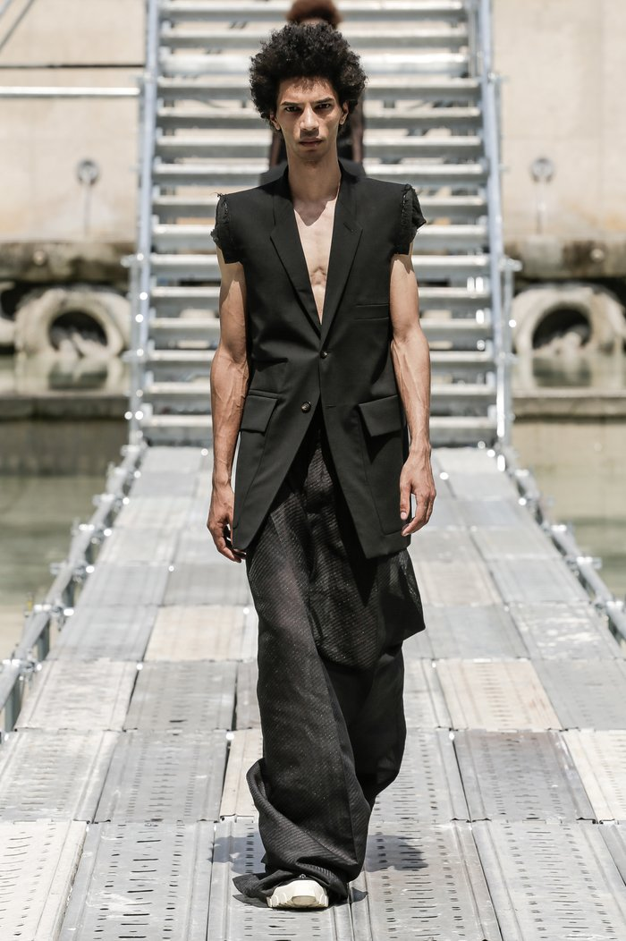 Collections cover rick owens men ss18 look 38 0567