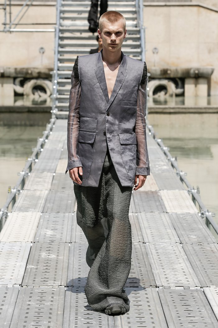 Collections cover rick owens men ss18 look 37 0559