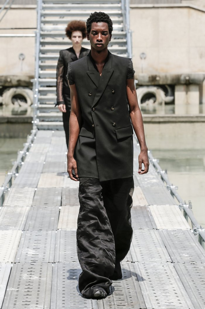 Collections cover rick owens men ss18 look 39 0578