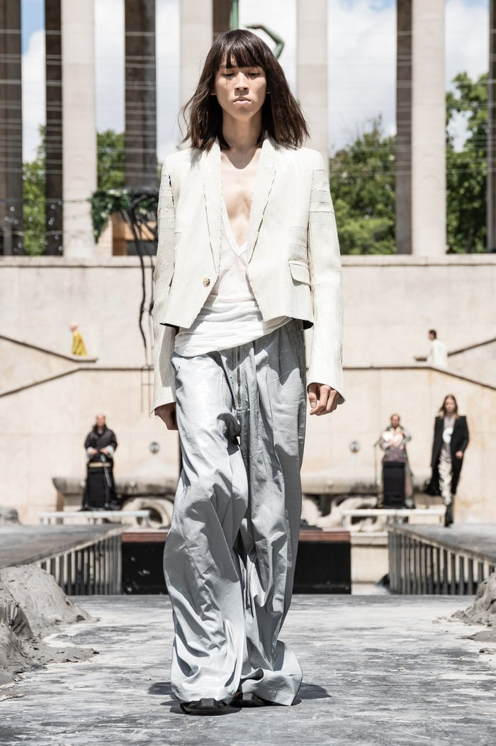 Collections cover rick owens men ss20 paris 0017