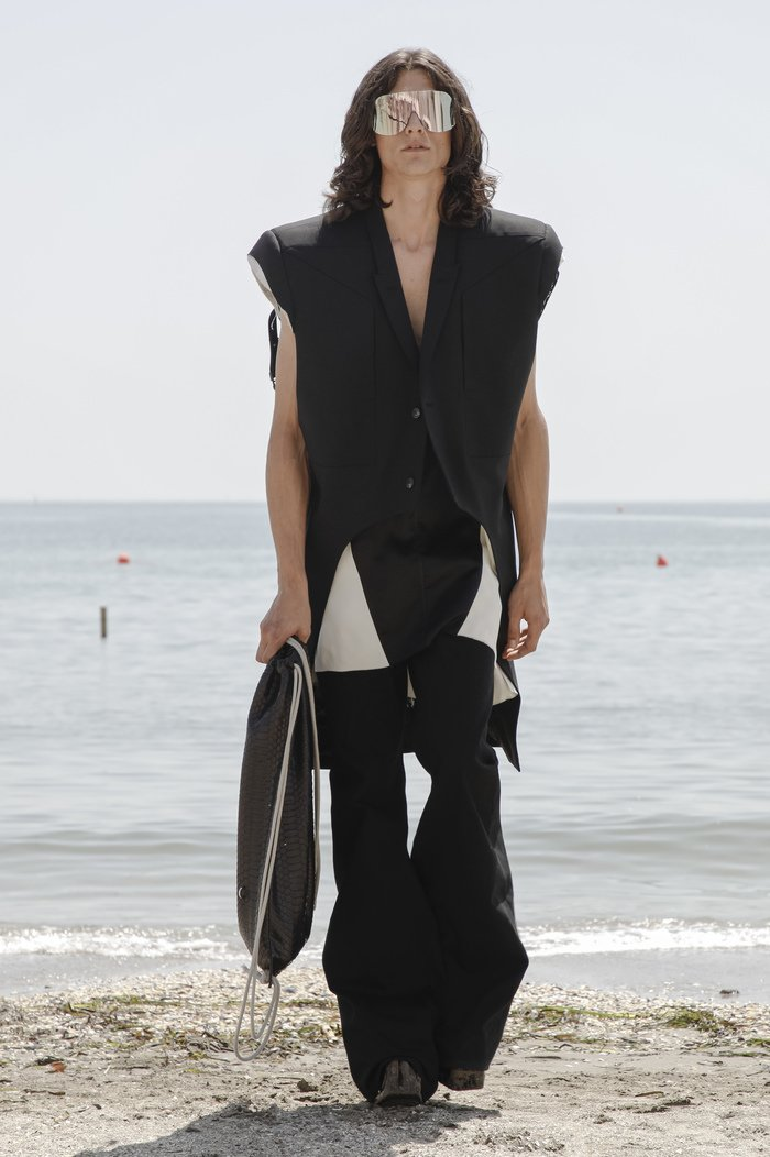 Collections cover rick owensd men ss22 venice 8726