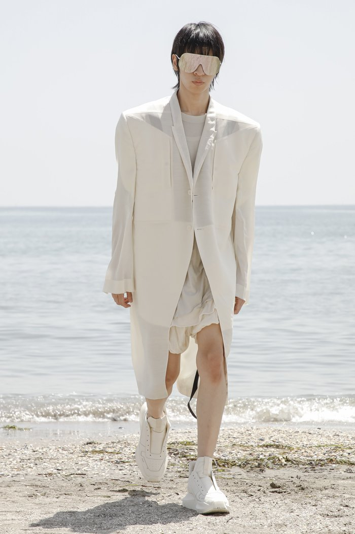 Collections cover rick owensd men ss22 venice 8524