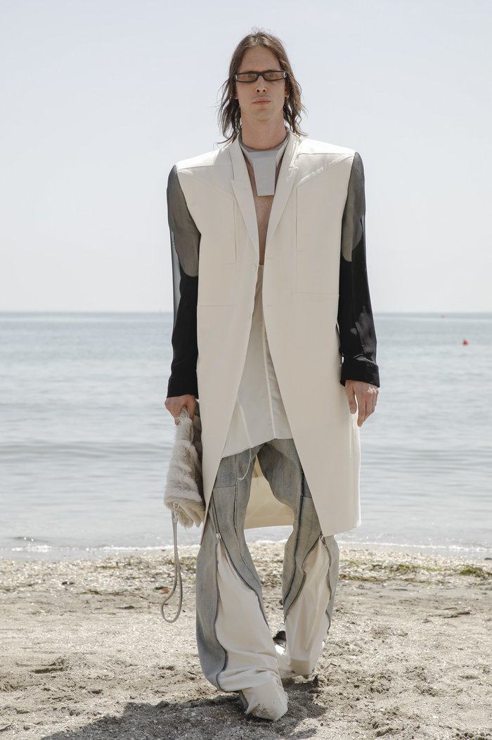 Collections cover rick owensd men ss22 venice 8761