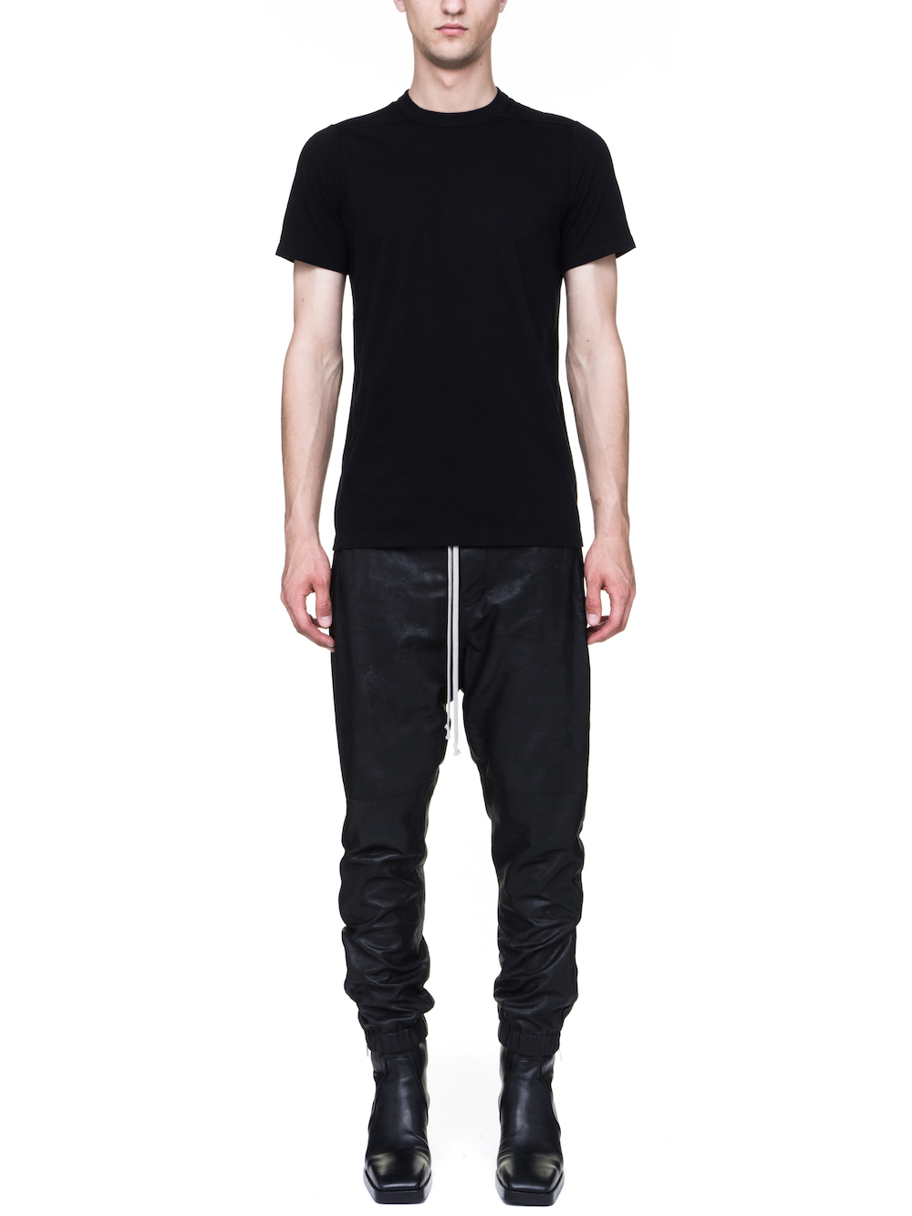 RICK OWENS LEVEL TEE IN BLACK MEDIUMWEIGHT COTTON JERSEY