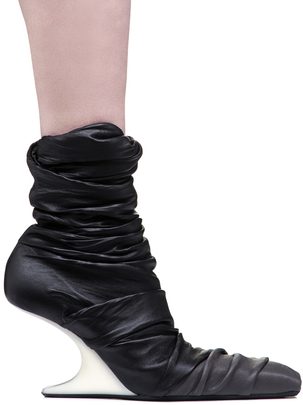 RICK OWENS OFF-THE-RUNWAY 8 CM CANTILEVERED SHOES IN BLACK STRETCH LAMB LEATHER