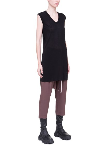 RICK OWENS V NECK SLEEVELESS TEE IN BLACK VISCOSE SILK JERSEY